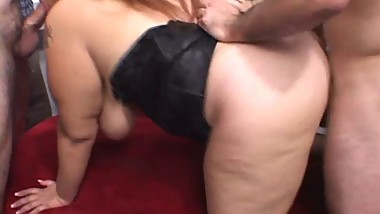 Latin BBW-Mom in Interracial Groupsex