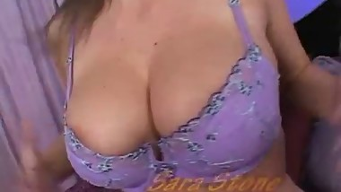 Moms with big tits.