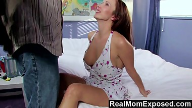 RealMomExposed  Sexy Milf Shows Off Her Dick Sucking Skills
