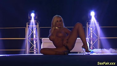 busty flexi stepmom naked on stage