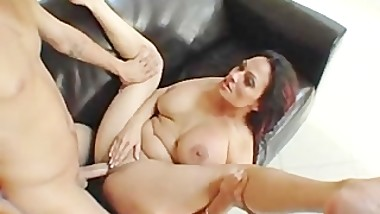 Ava Lauren Gets Her MILF Face Covered By Mr. Pete