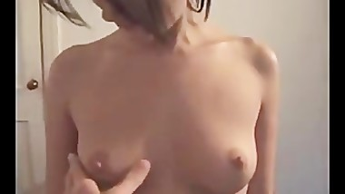 Stefani shows off her hot body