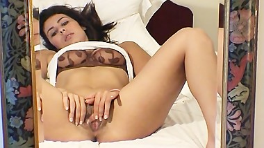 Hot Arabic MILF Zahra Masturbates her Clitoris to Pussy Pulsating Orgasm