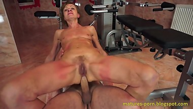 Granny anal sex after sports training