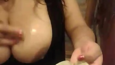 Big boobs milf (All her pics here: adf.ly/12648129/bigtits)