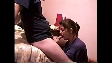 Wife gives a great blowjob-handjob for cumshot