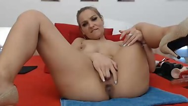 Hot MIlf Play's With Dildo_HOTSEXYCAMGIRL.COM
