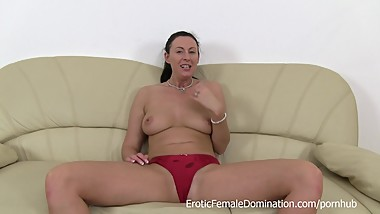 Ass Spreading Mature Lara Masturbation Instruction