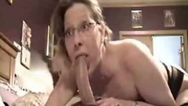 mom like to eat son cock before the breakfast