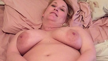 stepmom stretches her hole wide open
