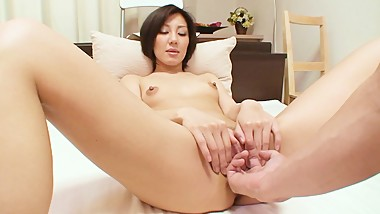 Petite Japanese MILF enjoys vibrator and cock pleasing her pussy