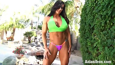 Freaky fit Angel showus her huge pussy and clit