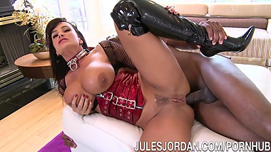 Jules Jordan - Lisa Ann's Ass Silenced By Mandingo's Cock
