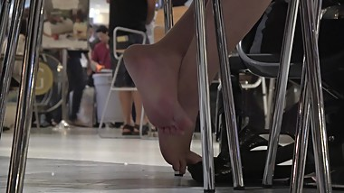 Young Thai Mom's Fantastic Sandal Dipping At The Food Court