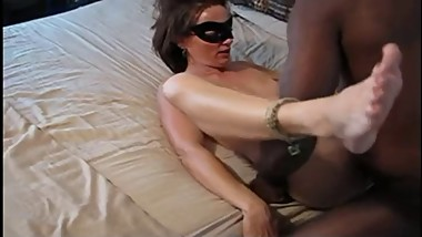 mom enjoys her black friend during hotel date