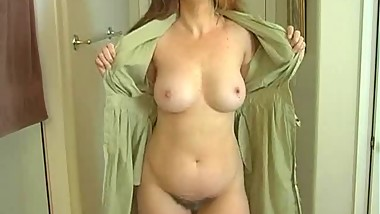 Mommy Exposes Her Body So You Can Masturbate